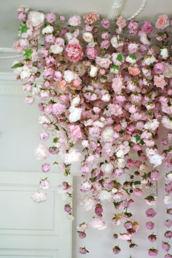 15 lovely hanging flower backdrop ideas floral art and hanging