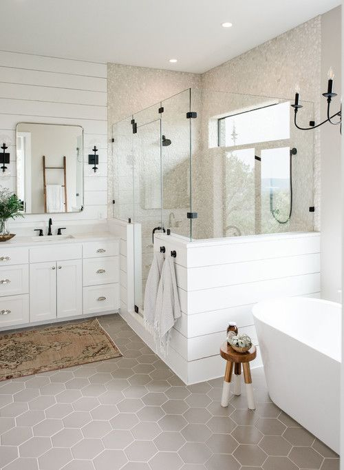 Modern Farmhouse Bathroom Shiplap Ideas – Pickled Barrel #modernfarmhouse