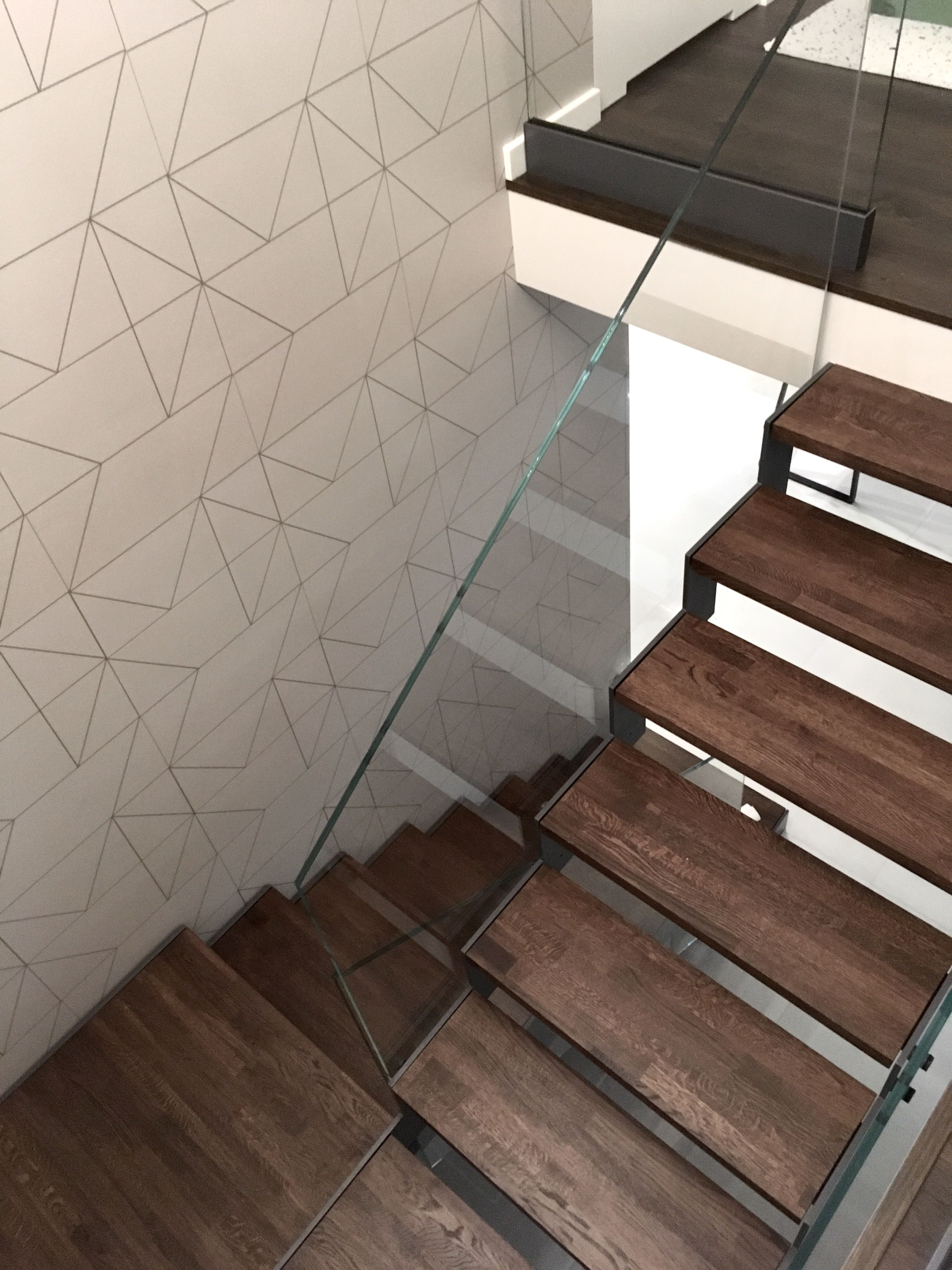 Best Modern Metal Stairs In Gray Color The Supporting 400 x 300