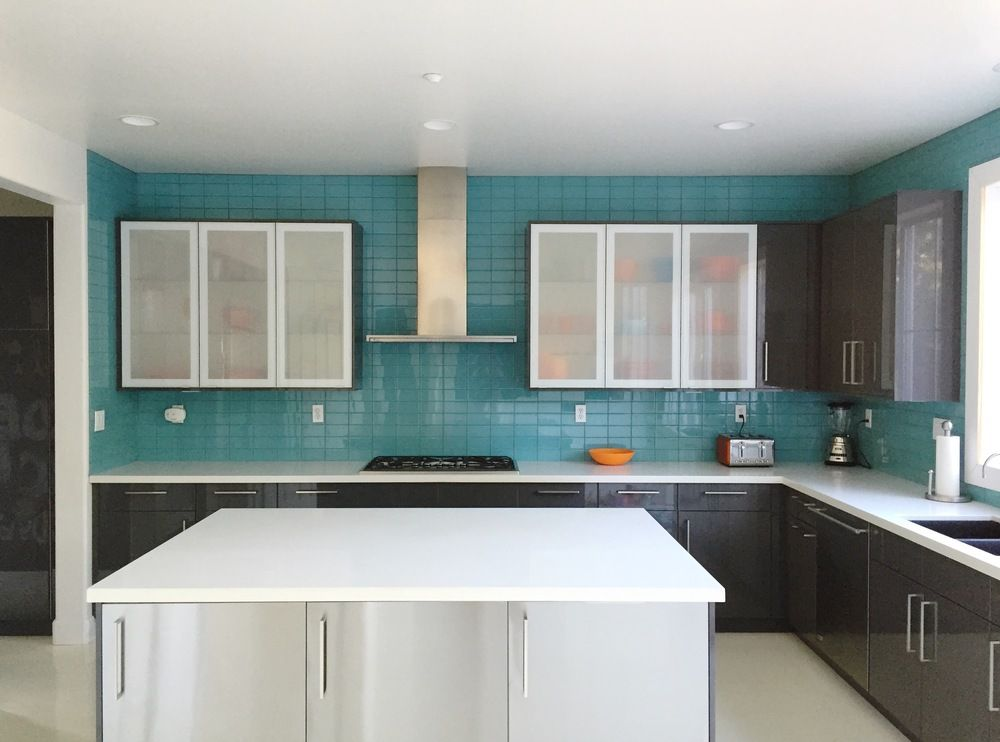 Gut Aqua Glass Subway Tile Modern Kitchen Backsplash