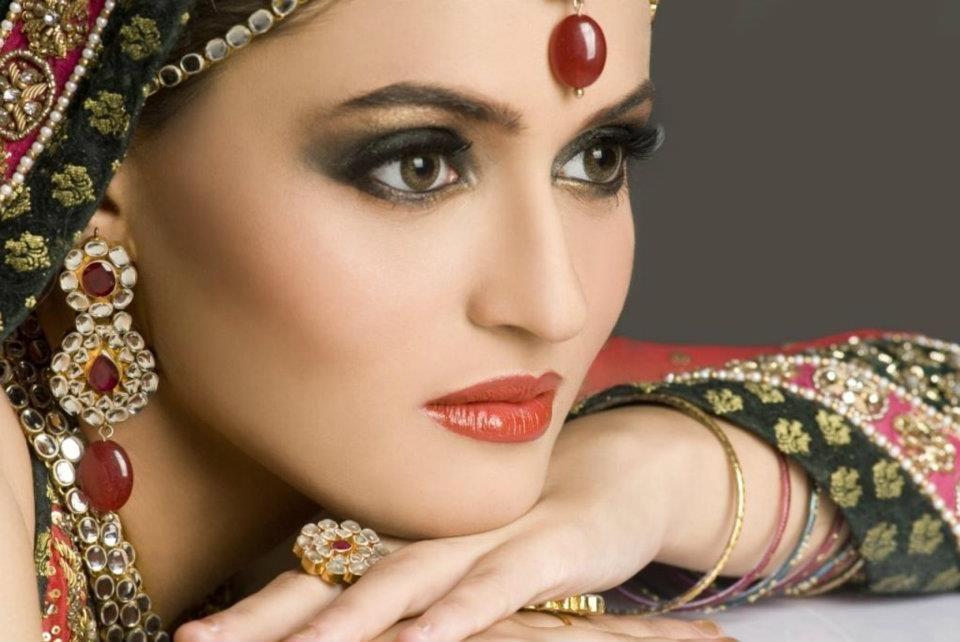 Pakistani Bridal Makeup Hd Images 9