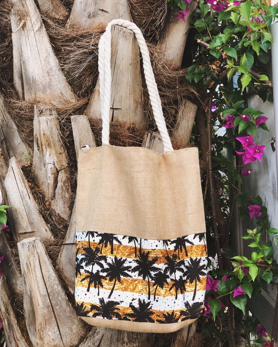 Rahat, hafif ve stil sahibi🧡 Palmiye desenli plaj çantası için ➡️ www.chillax.co #chillax #chillaxstil #elyapimicanta #plajcantasi #hasircanta #yazstili #musthave