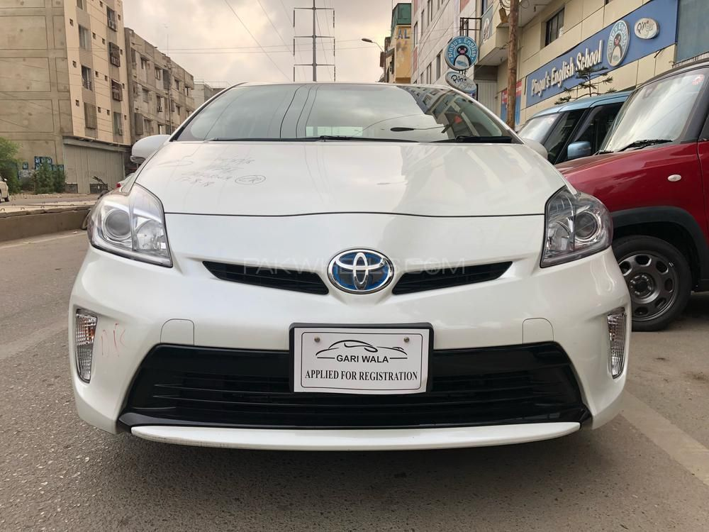 Toyota Pruis Hybrid S Push Startmodel 2015c C 1800price 23