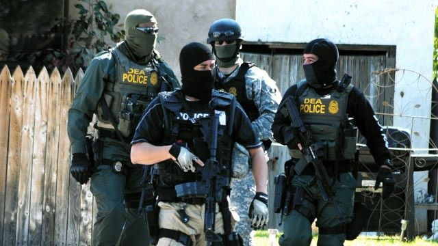 dea-police | Happy Bloggers | Killed by police, Police test