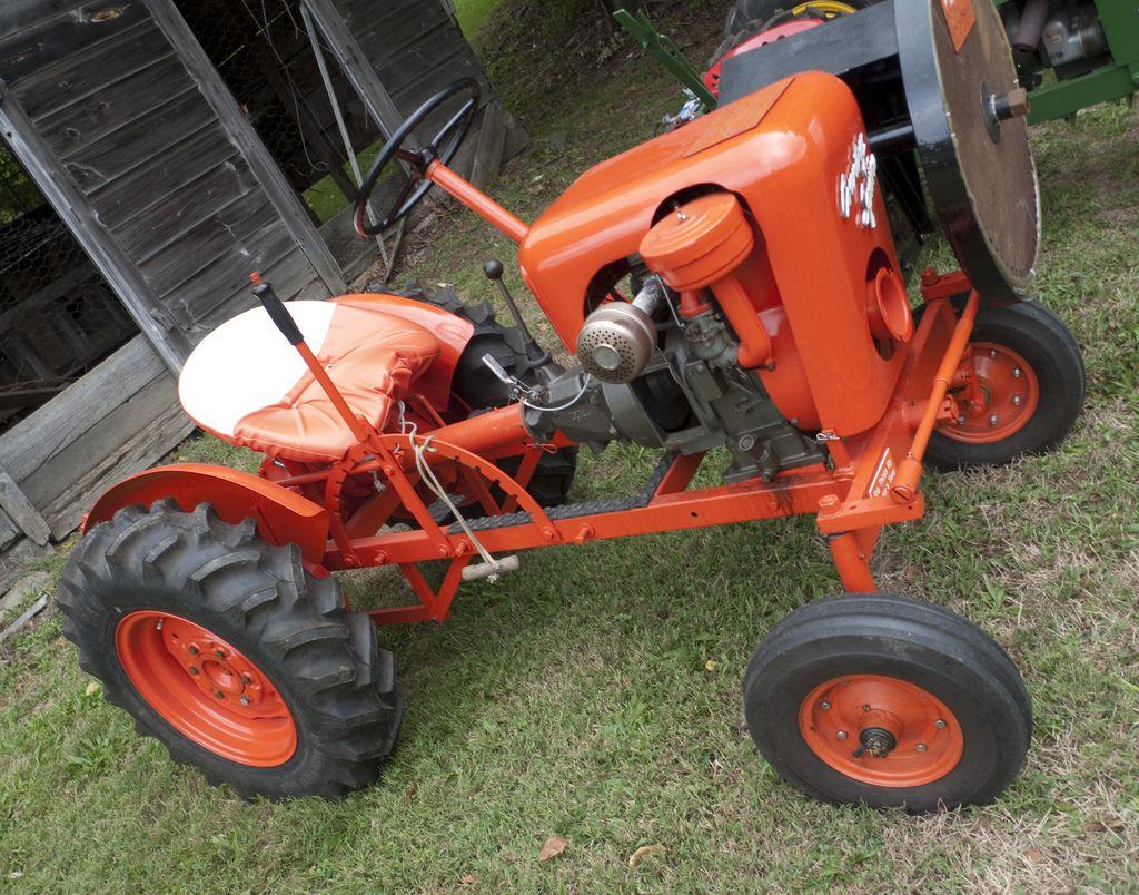 1956 9 horse power country squire tractor tracteur jardin tractors small tractors et. Black Bedroom Furniture Sets. Home Design Ideas