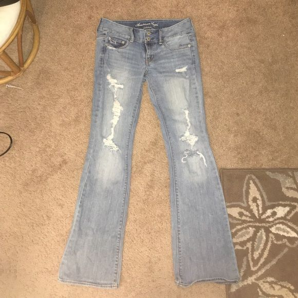American Eagle Jeans Size 4 Ripped American Eagle Jeans - bell bottom - light blue - Stretch American Eagle Outfitters Jeans Flare & Wide Leg