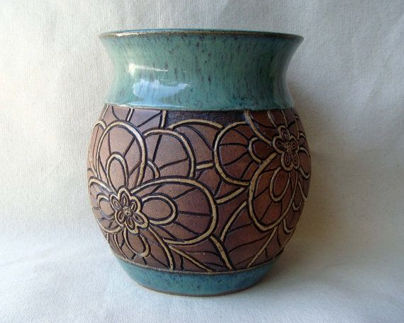 1000 ideas about pottery vase on pinterest roseville for Pottery vase ideas