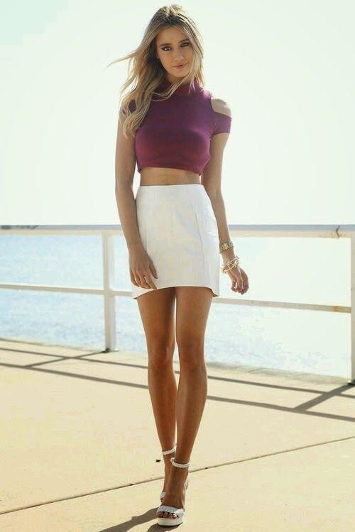 amataur teen mini skirt