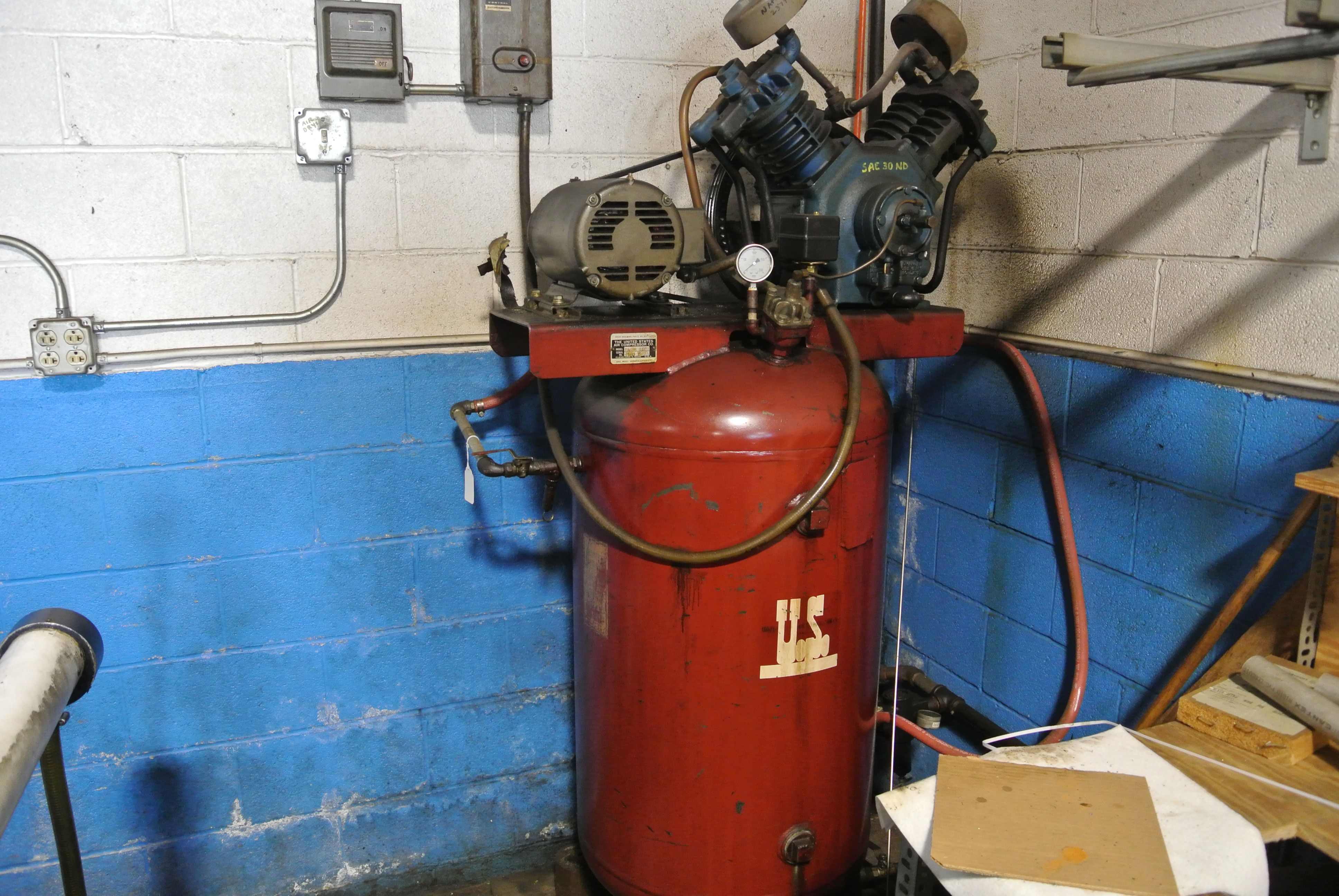 60 gallon 5hp Vertical US Air Compressor. FA9811 model number