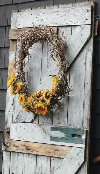 Pin By Deb Spencer On Decorating Fall Decor Old Barn Doors Wreaths