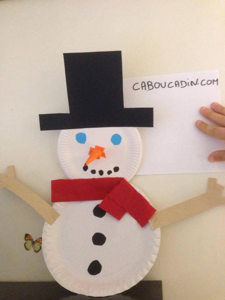 Un bonhomme de neige avec des assiettes en carton noel assiette carton bricolage maternelle - Fabriquer un bonhomme de neige ...