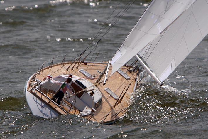 smaragd segelbåt