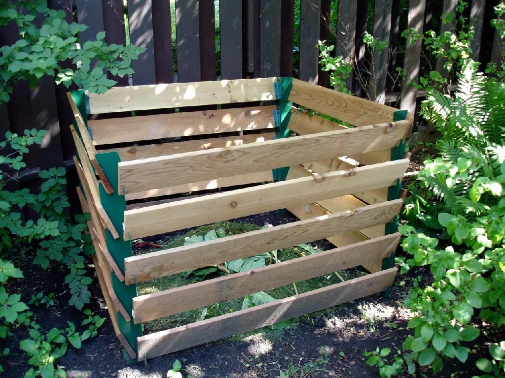 How to make a compost pile in your backyard - How To Make A Worm Compost System Vermicomposting Or Worm Composting Allows You To Compost Your Food Waste Rapidly While Producing High Quality Compost