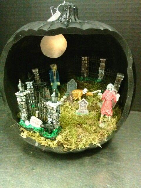 lemax pumpkin diorama zombie graveyard with tealight moon - Halloween Diorama Ideas