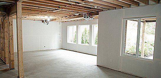 Finished basement ideas to maximize your basement 39 s for Daylight basement pictures