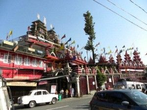 The famous Shiva temple, near Kuthal Shiv-temple-1gate along the way to Mussoorie, is of great religious importance.
