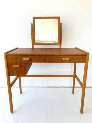 Mid Century Scandinavian Teak Dressing Table For Sale At Pamono In 2020 Mid Century Dressing Table Mid Century Scandinavian Dressing Table Modern