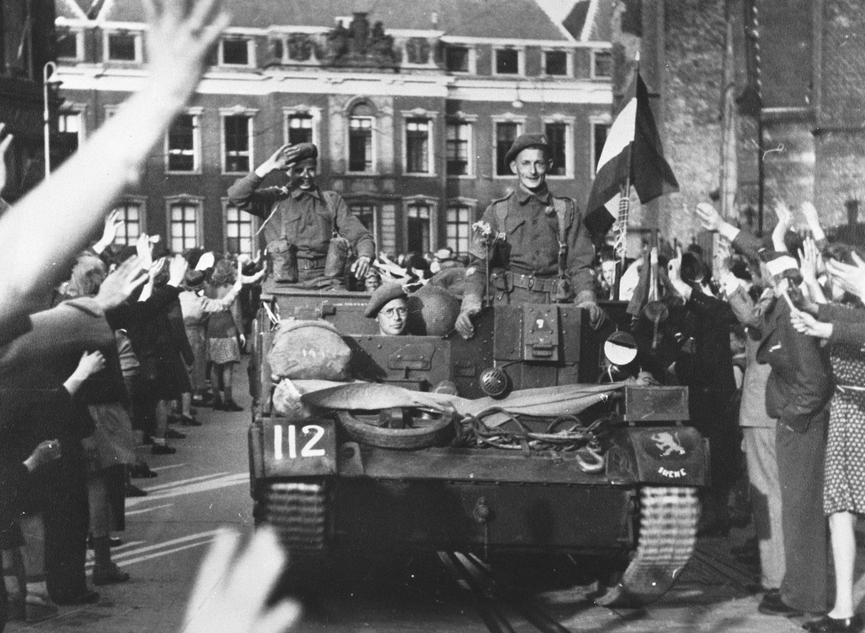 In april 1945 werd oost nederland bevrijd door de for Interieur nederland