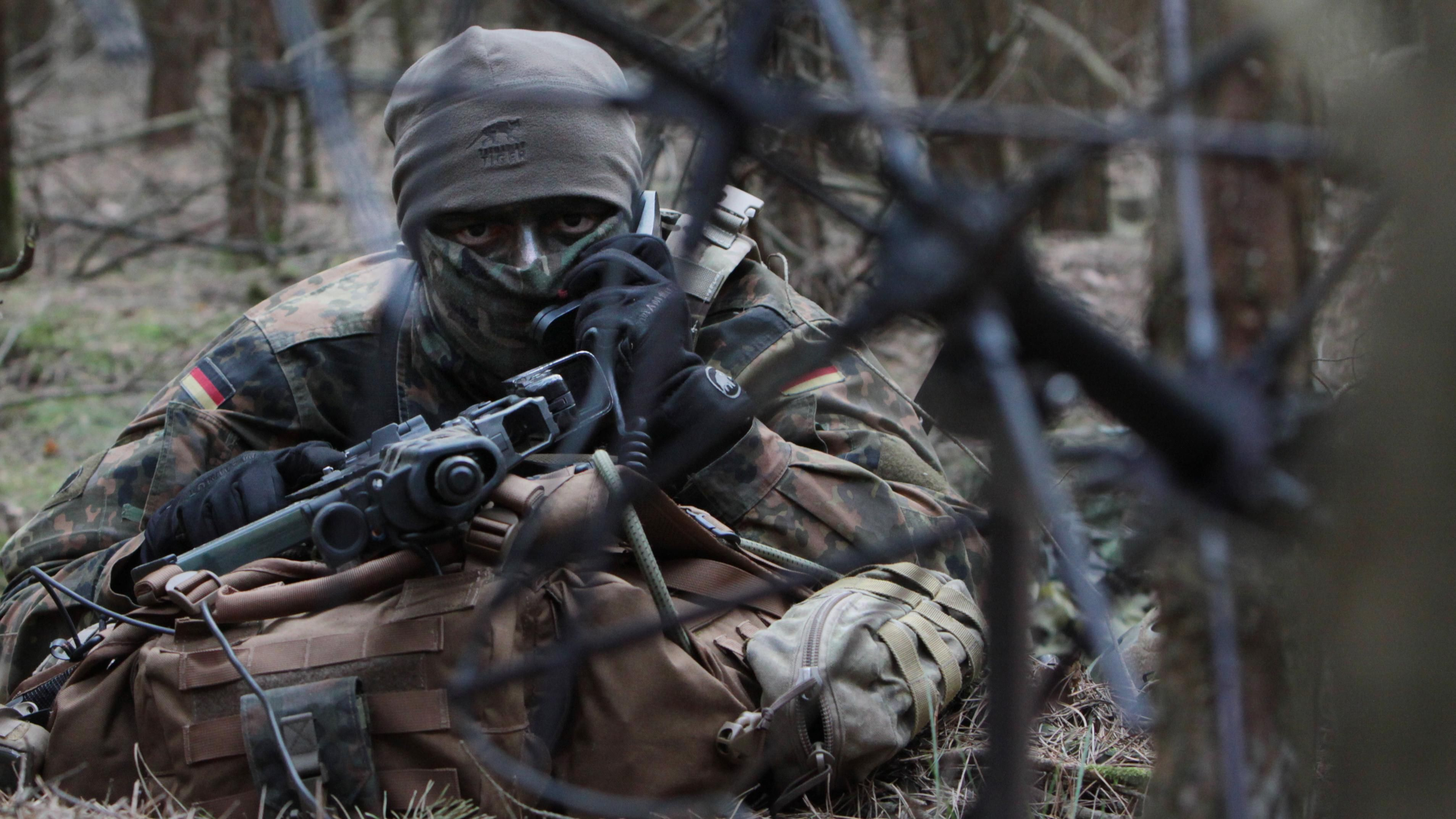 German Army Long Range Scout Fernspaher Reporting His Observations 3813x2845 Navy Seals Military Military Special Forces