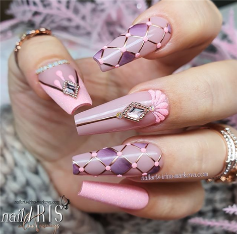Pretty Wedding Nails Ideas For Brides In Winter ;#weddingnails#winterw