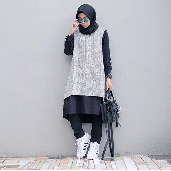 Trend Baju Muslim 2018 Hijabis Style Log Tops Pants Pinterest Muslim Ootd And Hijab Outfit