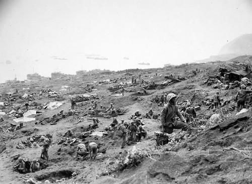 US Marines - Iwo Jima beach   Marines - WWII   Iwo jima ...  Usmc