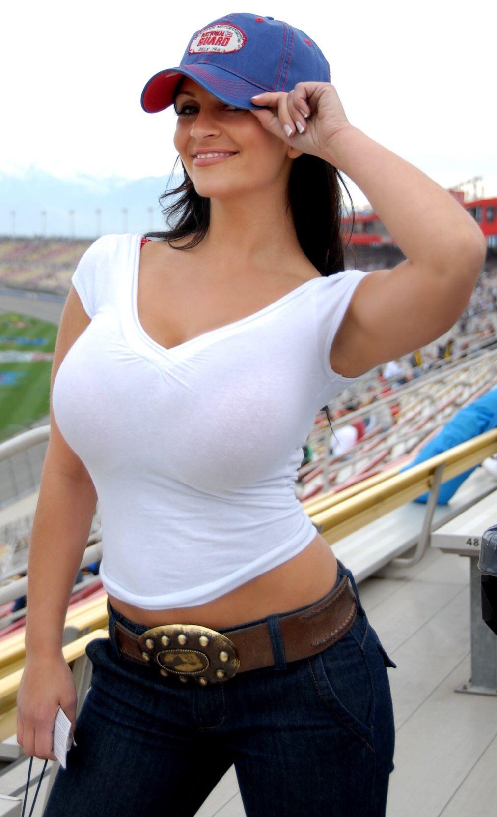 busty-girls-in-tights-shirts-naked-shia