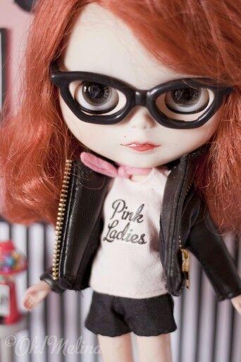 #PinkLadies #PinUp #Blythe #glasses #lentes #Doll #Redhair #muñeca