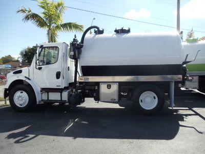 This Freightliner Business Class M2 Heavy Duty Truck Has Heavy Duty 2450 Gallon U S Tank New Jurop R260 Pump 363 Heavy Duty Trucks Used Trucks Freightliner