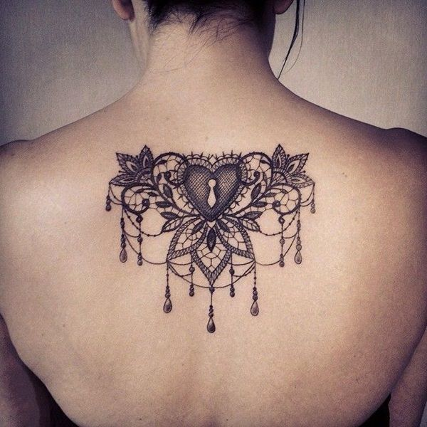 Lace tattoo designs9 tattoos pinterest tattoo ideen spitzen tattoos und traumf nger - Croissant de lune tatouage ...