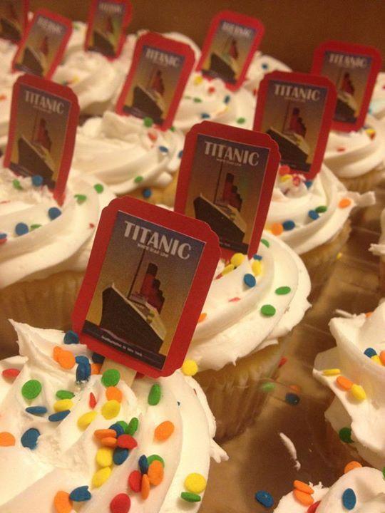Cupcake Toppers Titanic Cake