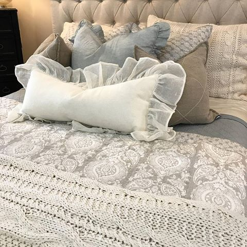 A nice combo of sea glass and neutrals are a great way to calm a room. ••••••••••••••••••••••••••••••••••••••••••••••••••••• #layersbeautifulbedding#gardnervillage#bedding #bed#bedroom#bedroomdesign#bedroominspo#bedroomideas#classyinteriors#finditstyleit#utahstyleanddesign#utahgram #utahliving#instaroom#bedding #homedesign#pillows#goodmorning #shoplocal#bedroomgoals#bedroominspiration#bedcover #modernprints #bedroomset #bedroomfurniture #bedweather #bedcoverset #bedroomideas #peaceandrelaxation