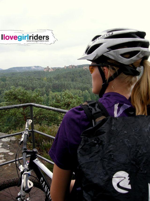 Maggie enjoys the view - Rider: Margreet Meems - Photo: Maichel Lemmens - #ilovegirlriders #iamagirlrider