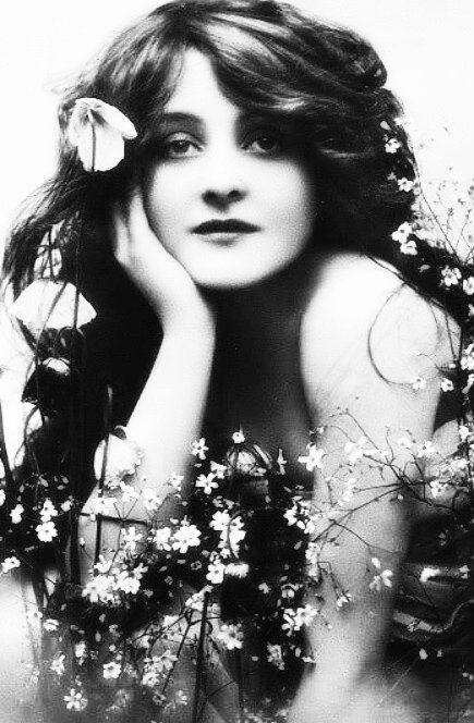 Maude Fealy - Rotograph B117 | Vintage portraits, Portrait