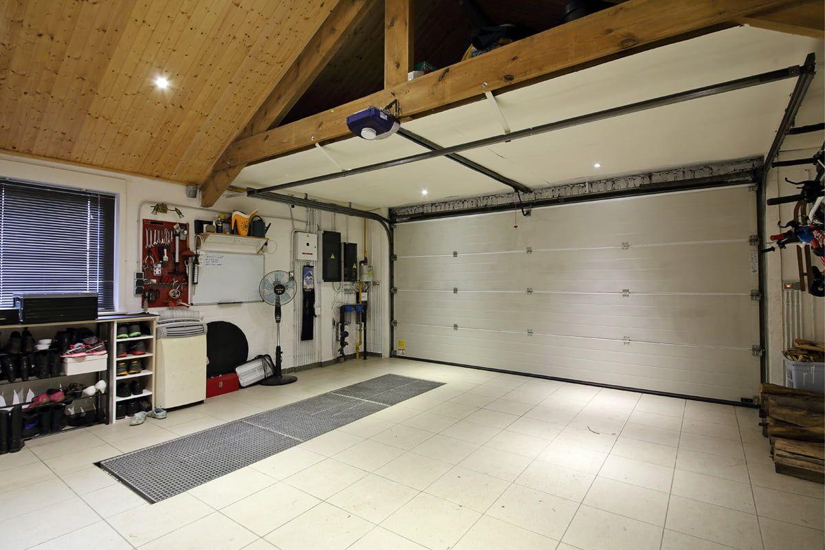 Badezimmer Renovieren So Werden Fliesen Fugen Und Co Wie Neu Carrelage Garage Amenagement Garage Maison
