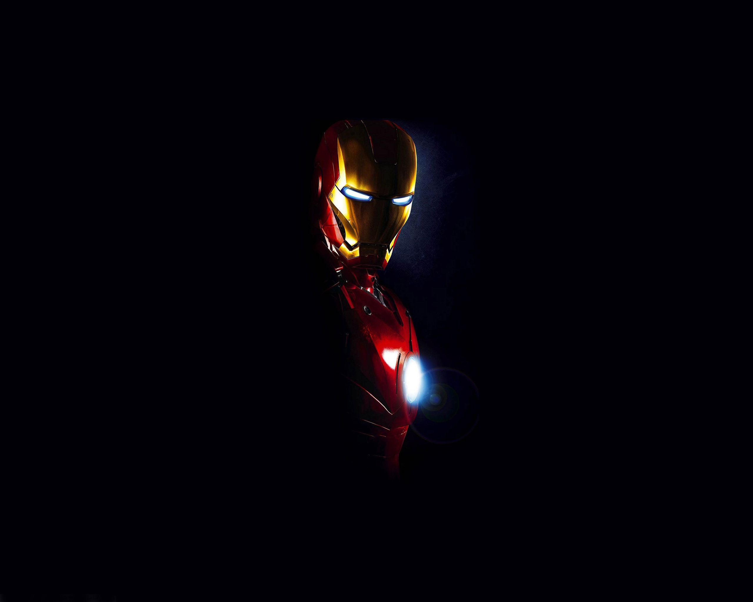 Cool Picture Of Iron Man Photo With Dark Background Wallpapers