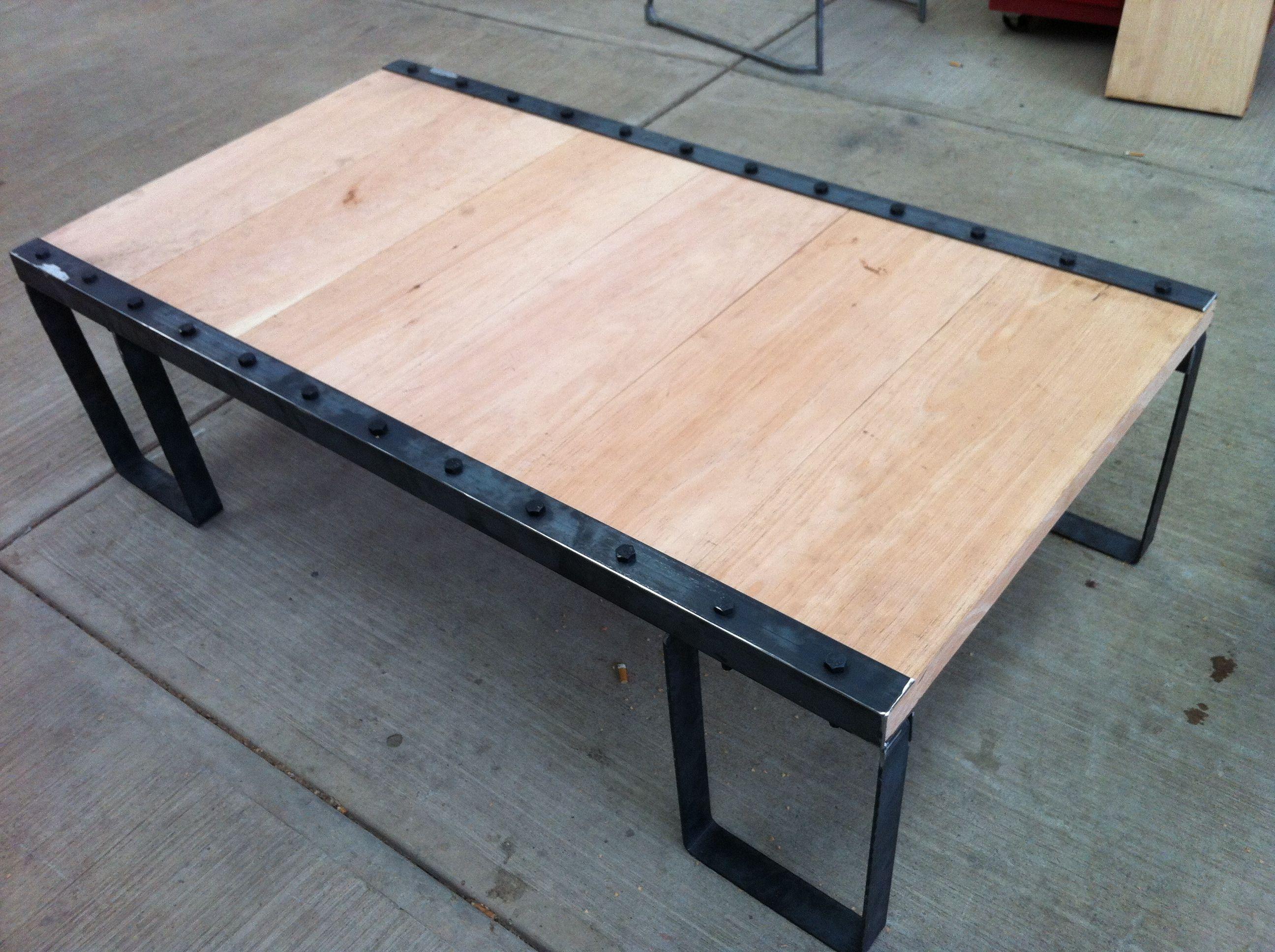 Mesa de centro tipo industrial madera hierro for Mesa centro industrial