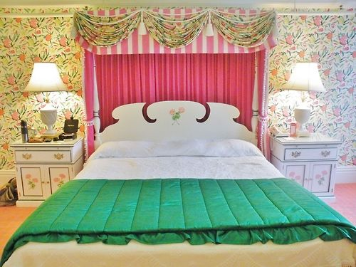 A Carleton Varney Masterpiece The Grand Hotel Takes You Somewhere In Time The Glam Pad Bedroom Design Room Colors Bedroom Styles