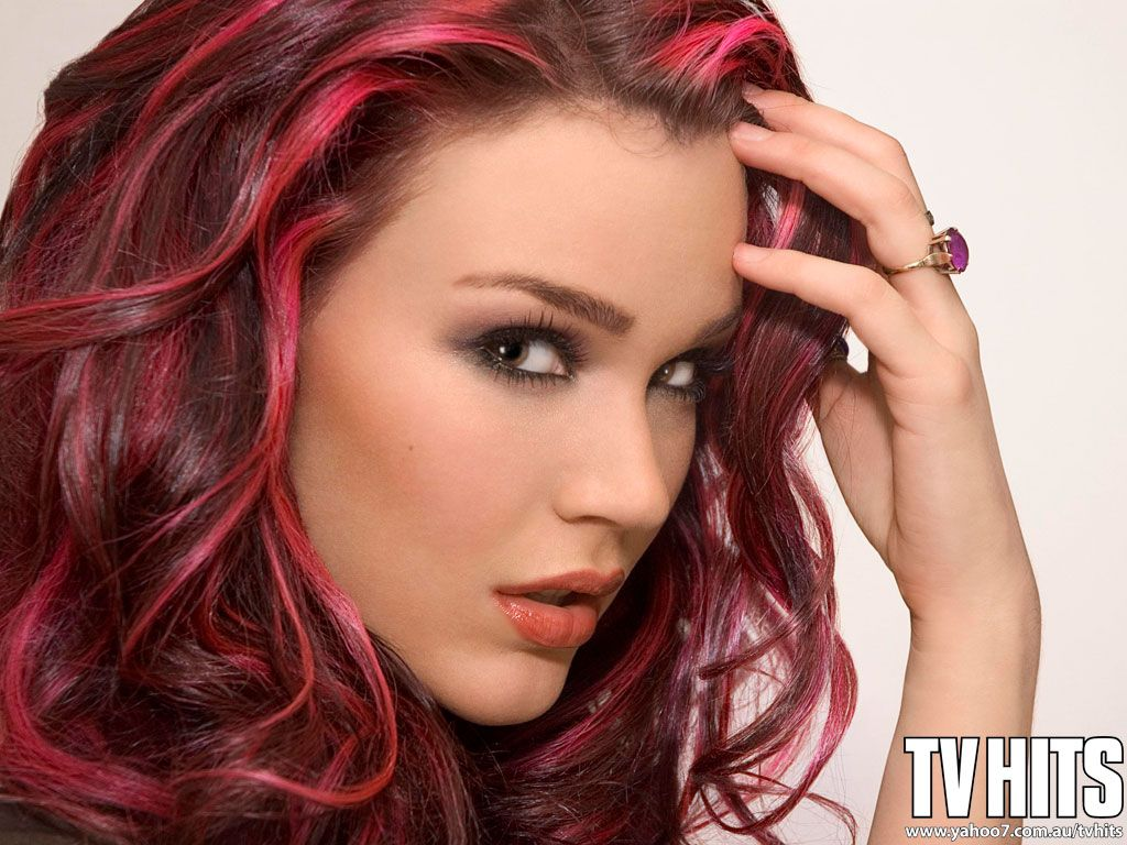 Joss Stone Fell In Love With A Boy Pink Streaks Hair Coloring
