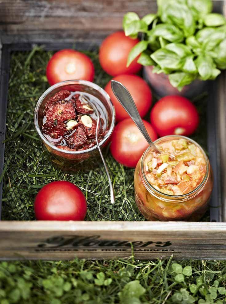 Tomatoes in a jar! Salsa and more. Kotivinkki 13/2013, Finland Story: Kaisa Torkkeli Photos: Reetta Pasanen www.kotivinkki.fi