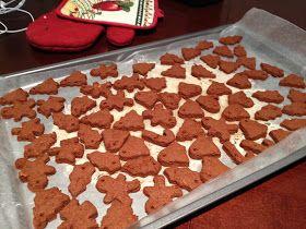 Urban Daisy: DIY Christmas Tree Gingerbread Ornaments