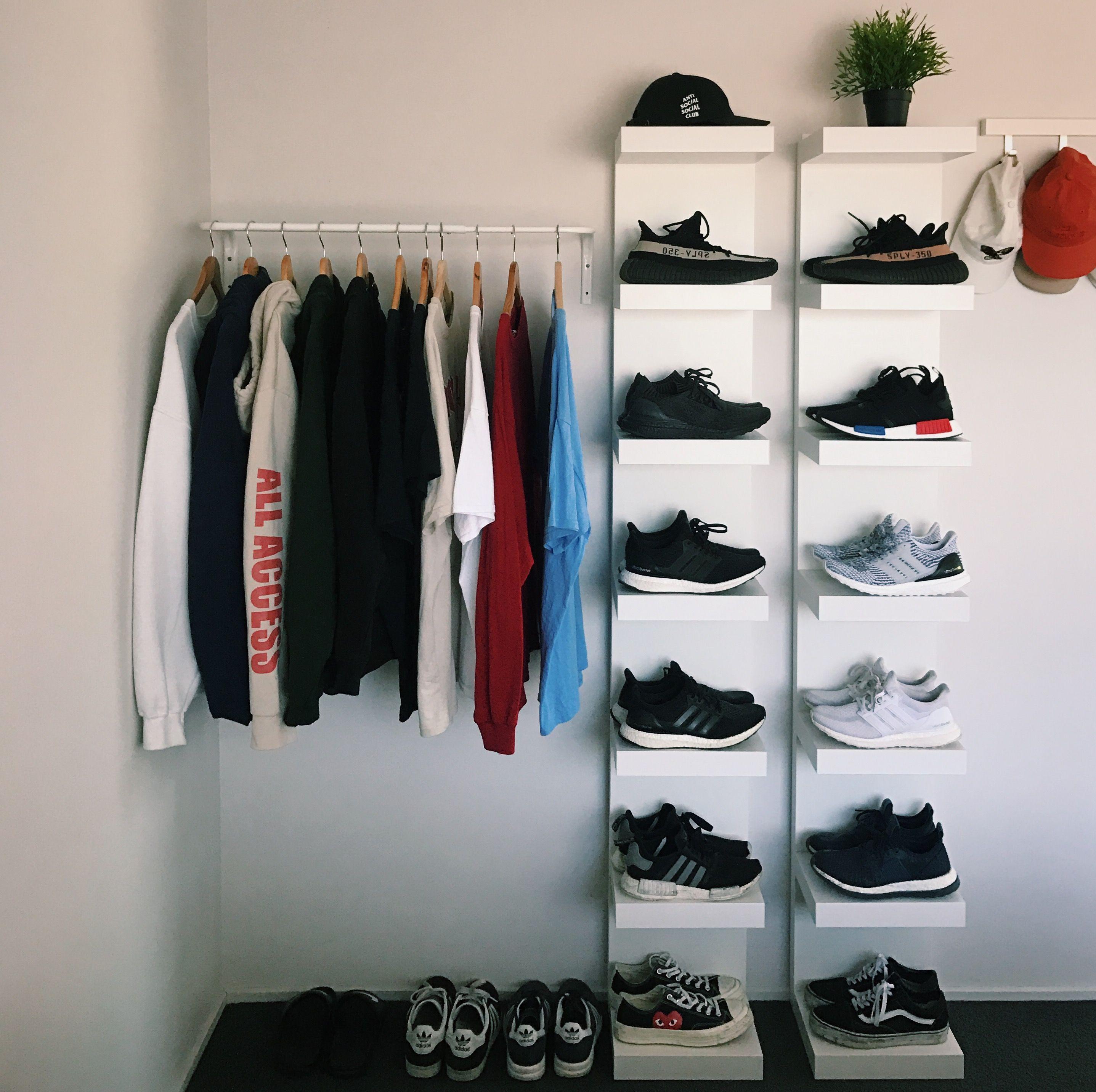 Wohn Design, Wohnen, Männliches Schlafzimmer, Streetwear Mode, Laufschuhe,  Zimmerdekoration, Schlafzimmerdesign, Schlafzimmer Ideen, Speicherideen