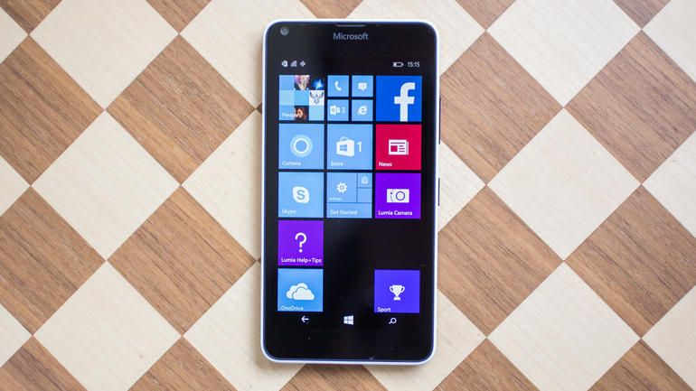 The great screen and camera make the Lumia 640 a brilliant phone for anyone on a budget who wants an alternative to Android -- so long as you aren't too bothered about apps.