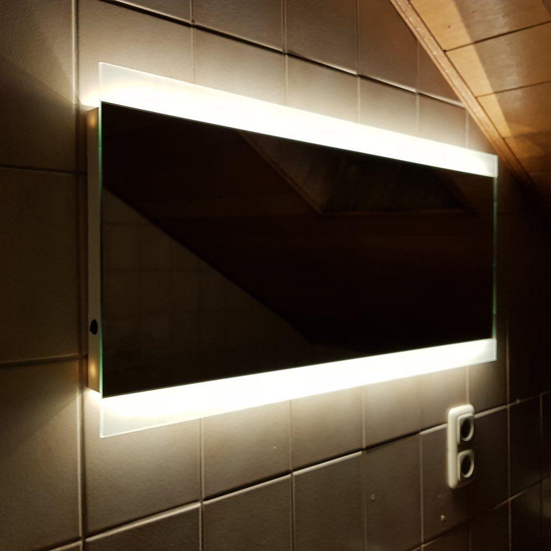 Noemi 2019 Design Badezimmerspiegel Mit Led Beleuchtung Zum Produkt Artikelnummer 220 Bathroom Mirror Bathroom Lighting Lighted Bathroom Mirror