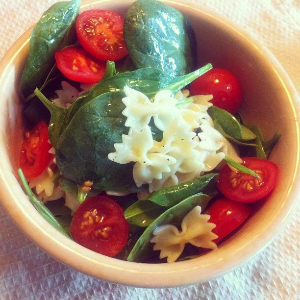 Farfalle, Spinach & Cherry Tomato Salad (No Cheese Please) INSPIRED & MADE From PINTEREST!! #EatingCLEAN