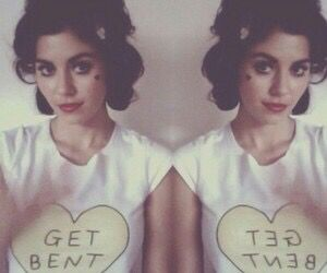 why is she so perfect #marinaandthediamonds #thefamilyjewels #primadonna #electraheart #froot