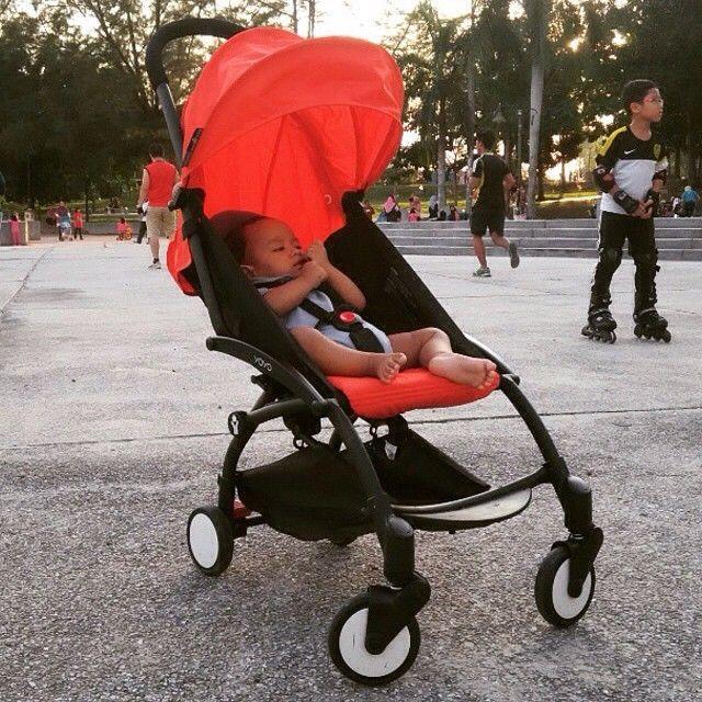 The BABYZEN YOYO stroller is so fun in red ;) BABYZEN