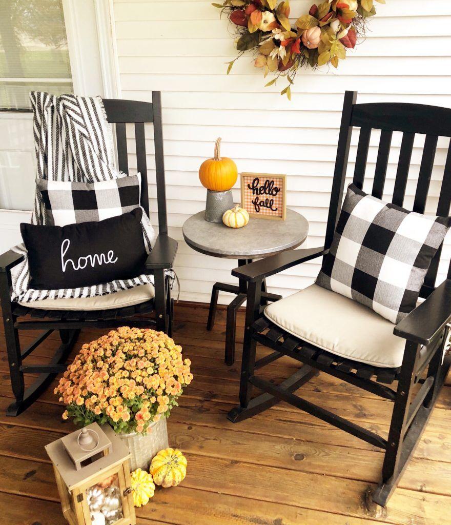 Fall Inspiration: Front Porch Decor - Stickers and Stilettos #porchescozyhome