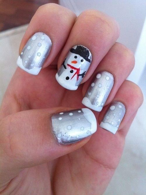 christmas nails- it is only 3 months away lol