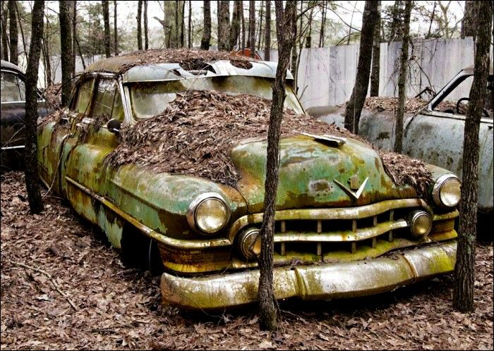 Abandoned With Images Abandoned Cars City Car Old Cars
